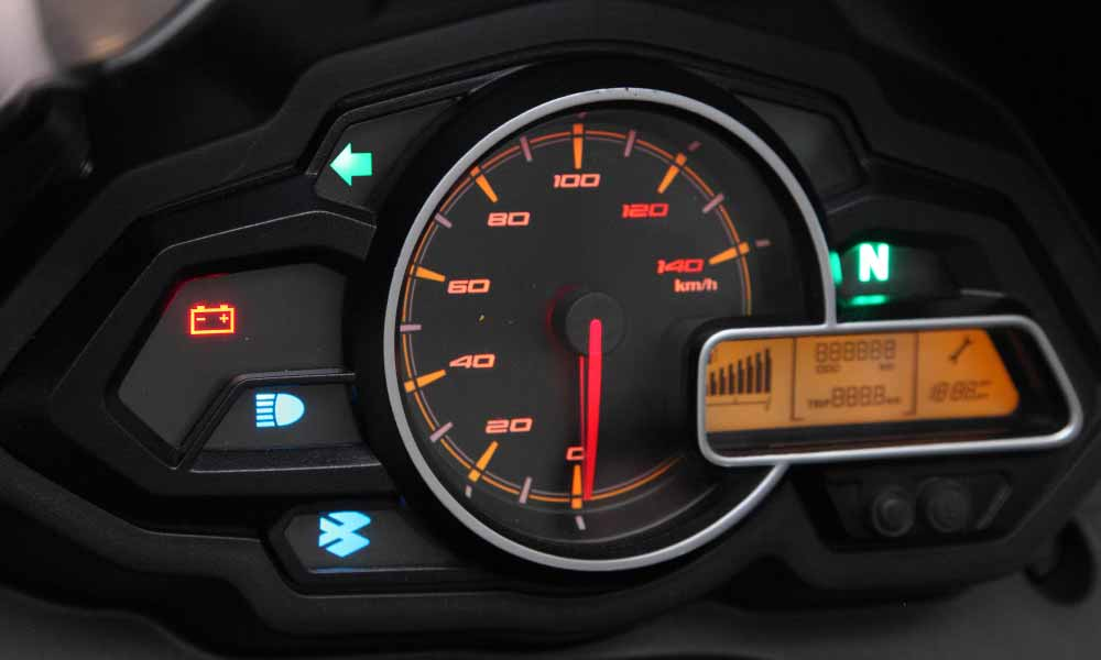 bajaj discover 125cc digital dashboard for riding information