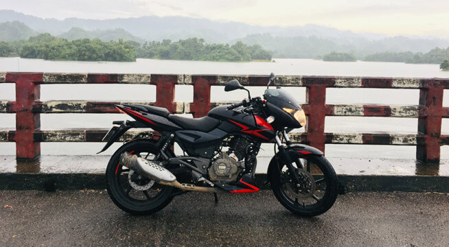 Pulsar 150 Twin Disc on a bridge