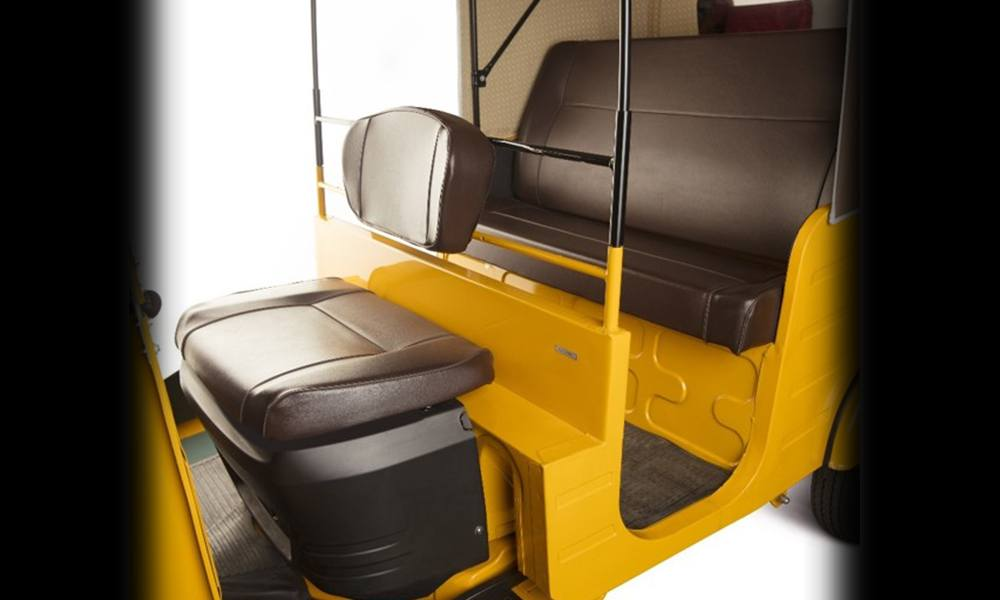 5th-scroll-Car-Type-Seats-tech-and-features