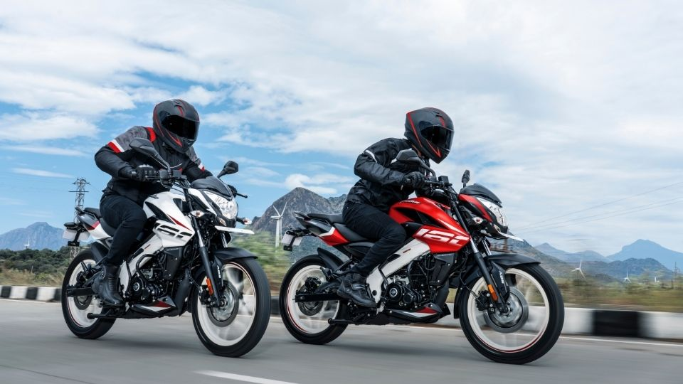 Bajaj Pulsar NS 160 New Decal Red and White